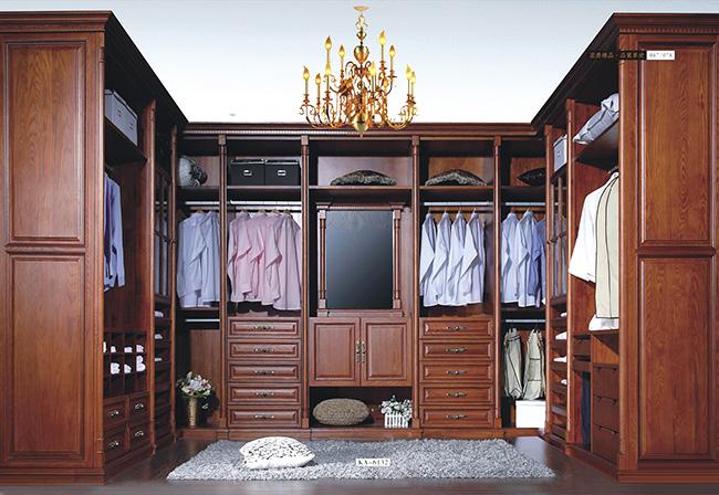 U型实木家具衣柜样品展示